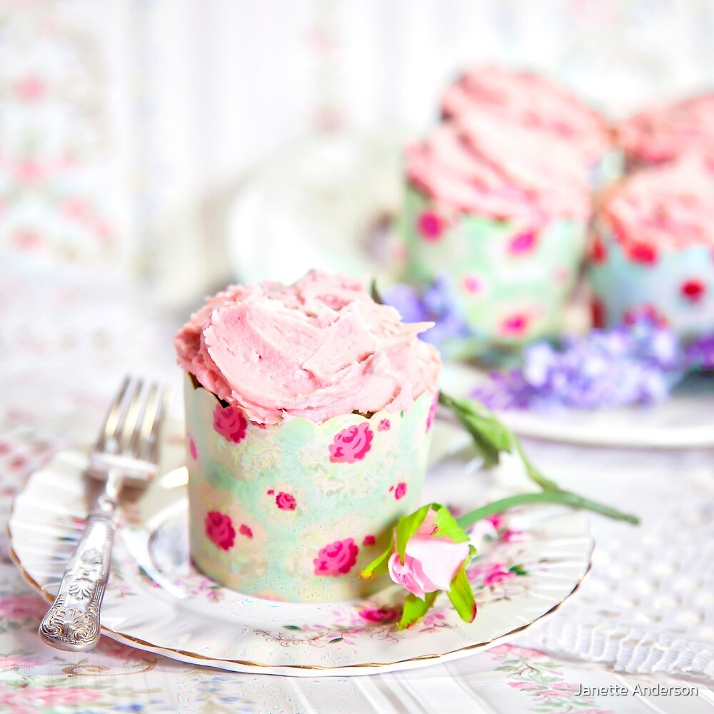 Pretty Pink Cup Cakes by Janette Anderson