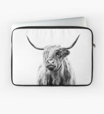 portrait of a highland cow (landscape format) Laptoptasche