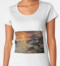 Waiting for sunset Women's Premium T-Shirt