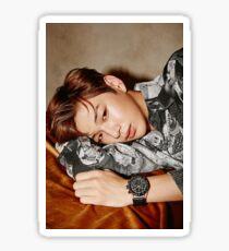 Pegatina QUIERE UNO x Instyle Korea ft. Kang Daniel (강 다니엘)
