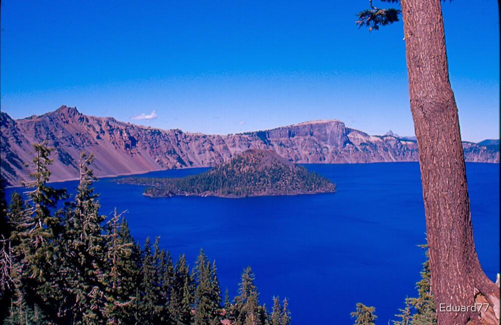 Crater Lake by Edward77