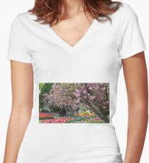 All the pretty things Women's Fitted V-Neck T-Shirt