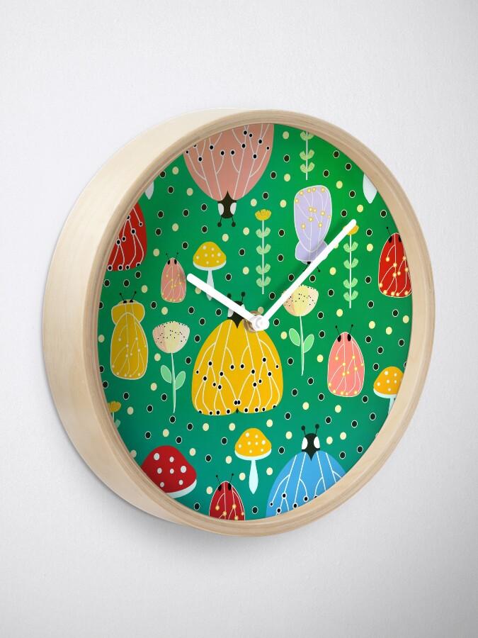 Vista alternativa de Reloj Errores coloridos y polillas