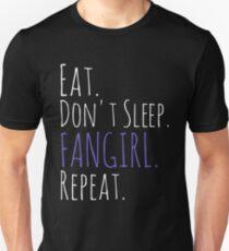 Camiseta ajustada COMA, NO DORMIR, FANGIRL, REPETIR (blanco)
