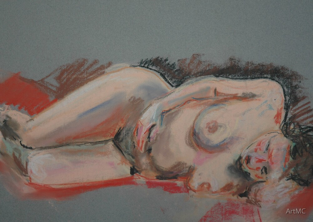 Reclining female figure by ArtMC