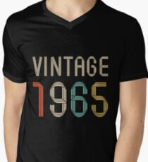 1965 52 years old birthday  T-Shirt