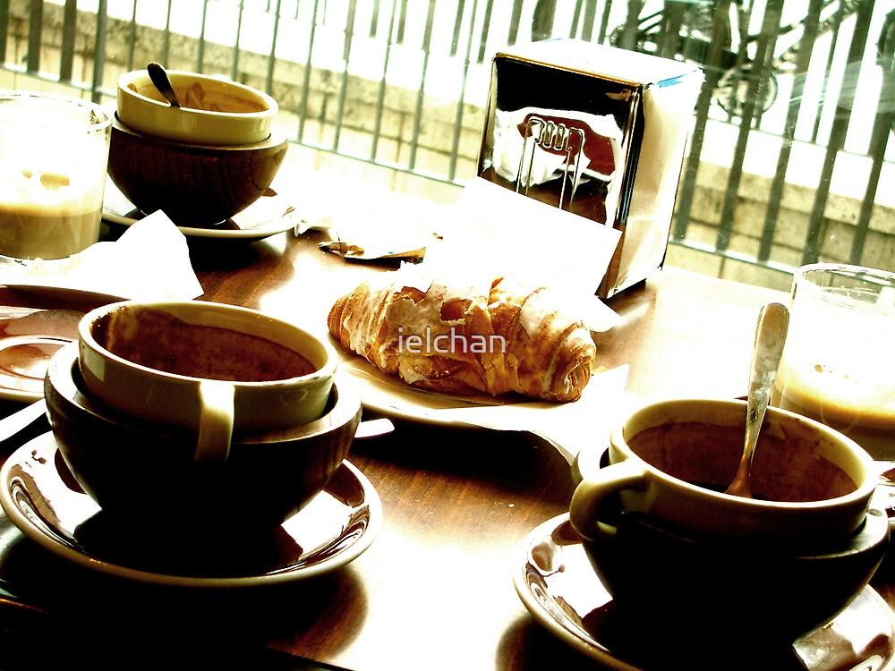 Breakfast in Siena by ielchan