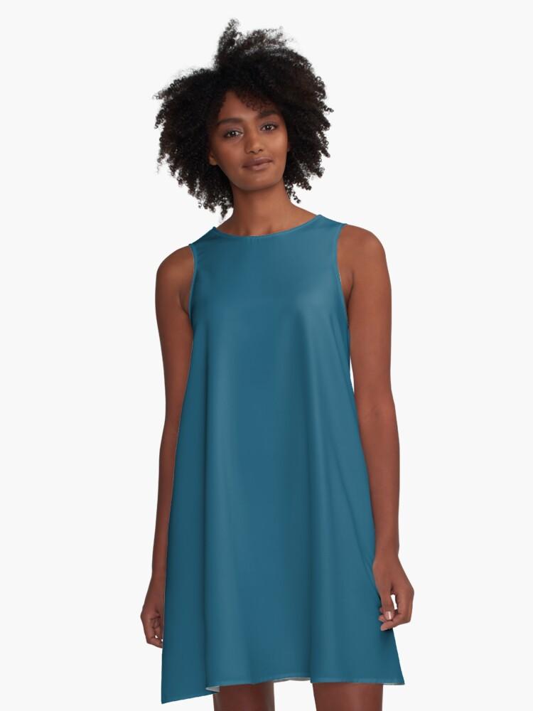 7c7748f1ef60 2018 Colour Trends-Deep Blue Shade