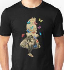 Alice In Wonderland - Vintage Wonderland Book T-Shirt