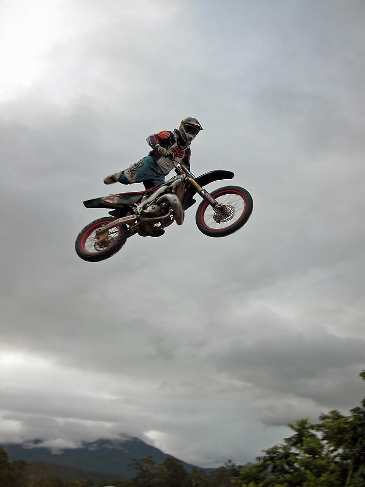 Ari in flight by Nate White