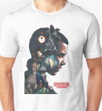 Stranger Things is back !! T-Shirt