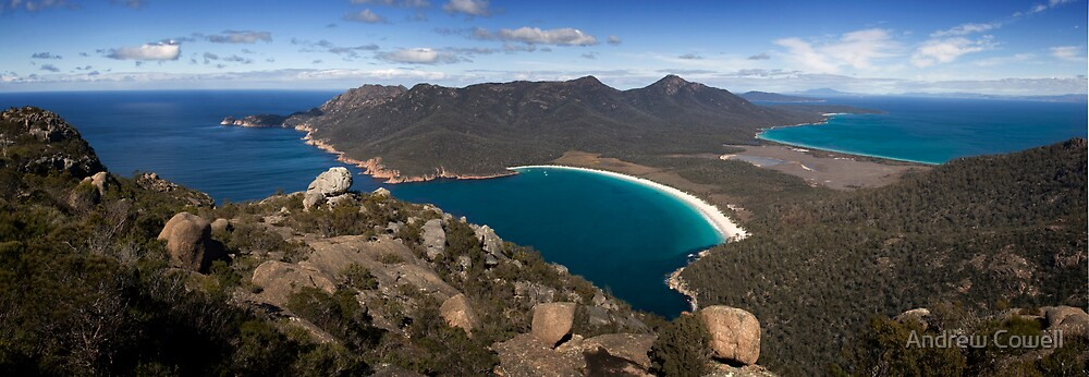 wineglass bay by Andrew Cowell