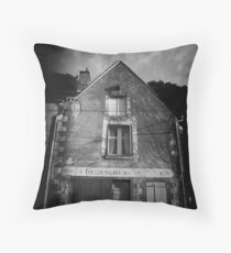Chaussures 01 Throw Pillow