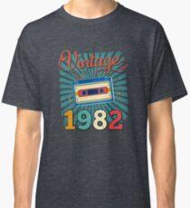 35th Birthday Retro Vintage 1982 Cool Old School  Classic T-Shirt