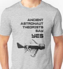Ancient Aliens 'Ancient Astronaut Theorists Say Yes' Quimbaya aeroplane GiorgioA. Tsoukalos Version 1 Unisex T-Shirt