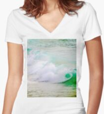 Waves Crashing The Surf Women's Fitted V-Neck T-Shirt