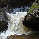 Rabbie's trail waterfall at Edinburg, Scotland by chord0
