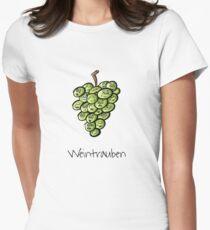 Weintrauben - Wortspiel Tailliertes T-Shirt für Frauen