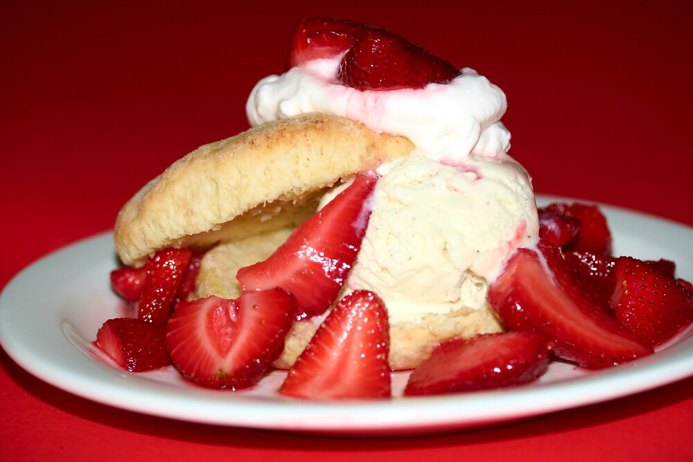 Strawberry Shortcake by chrishawns
