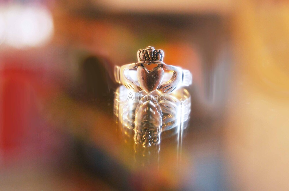 Heart shaped ring by Alihogg