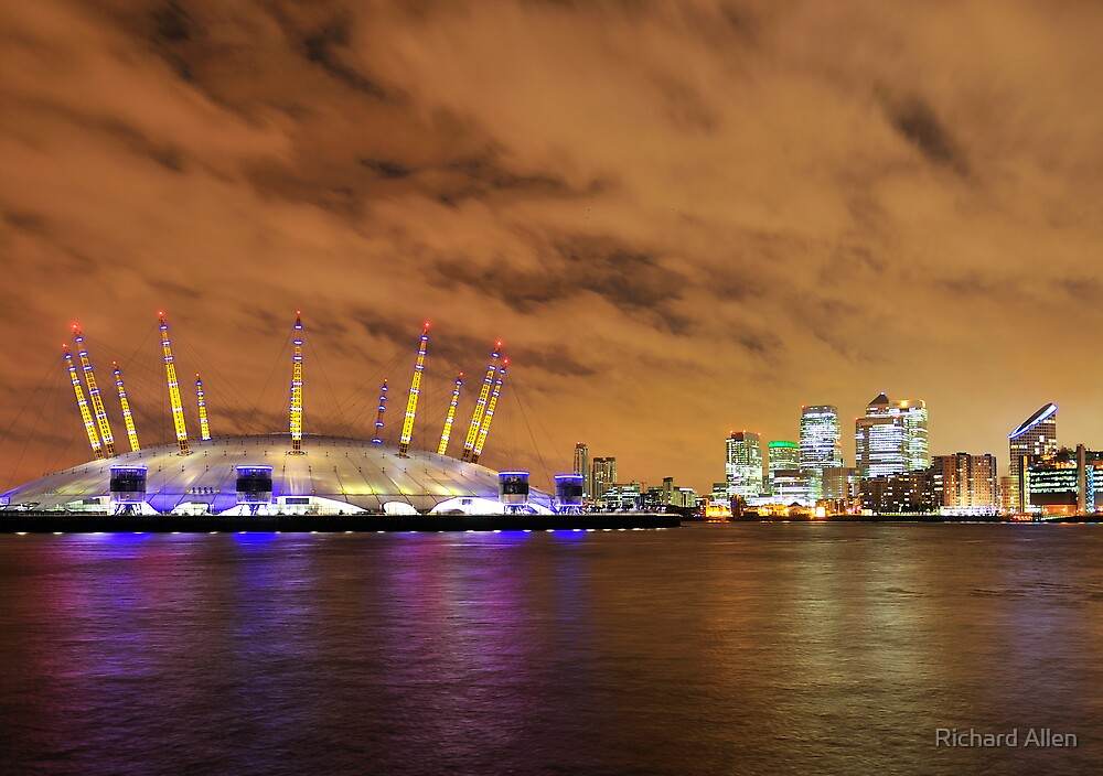 The O2 and Canary Wharf by Lea Valley Photographic