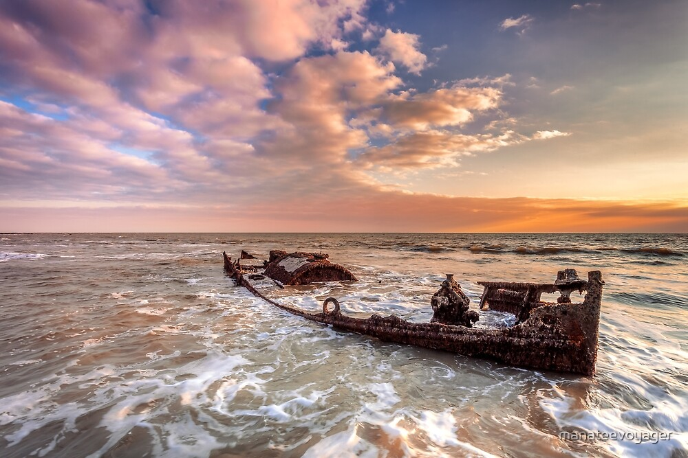 Shipwreck SS Carbon by manateevoyager