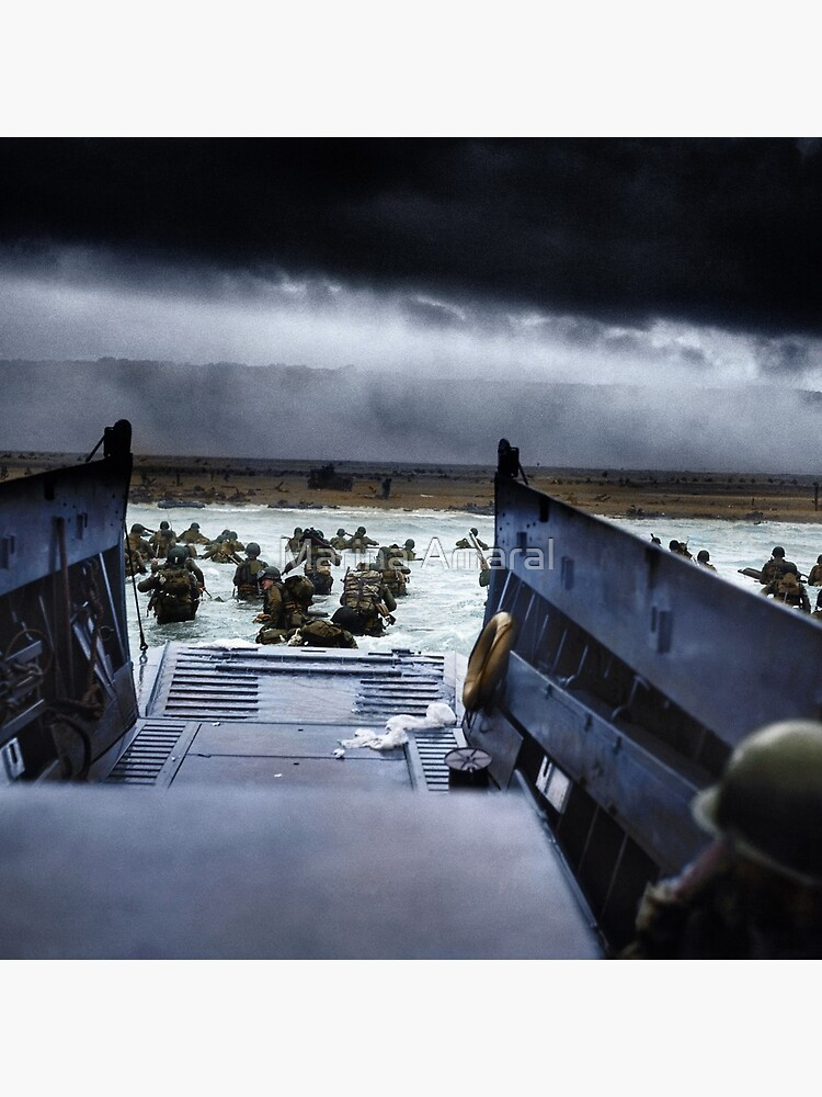 Men of the 16th Infantry Regiment, U.S. 1st Infantry Division wade ashore on Omaha Beach on the morning of 6 June 1944 #DDay by marinamaral