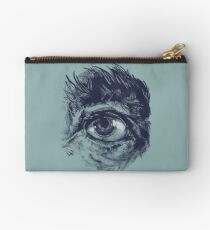 Hairy eyeball is watching you - Dunkelgrün Studio Clutch