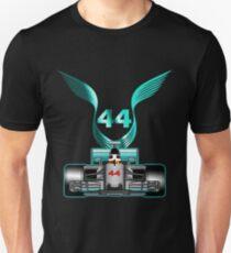 Lewis Hamilton auf seinem Auto Slim Fit T-Shirt