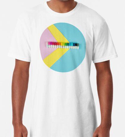 Glückliche kleine Regenbogenpillen Longshirt