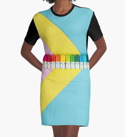 Glückliche kleine Regenbogenpillen T-Shirt Kleid