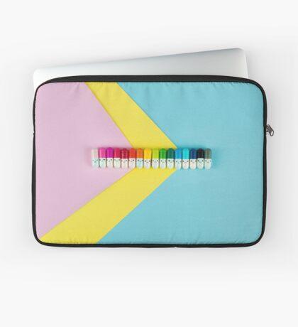 Glückliche kleine Regenbogenpillen Laptoptasche