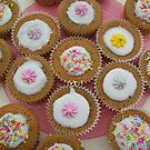 Cupcake by Justine Butler - daisybluesky.co.uk Tel: 07969 444962