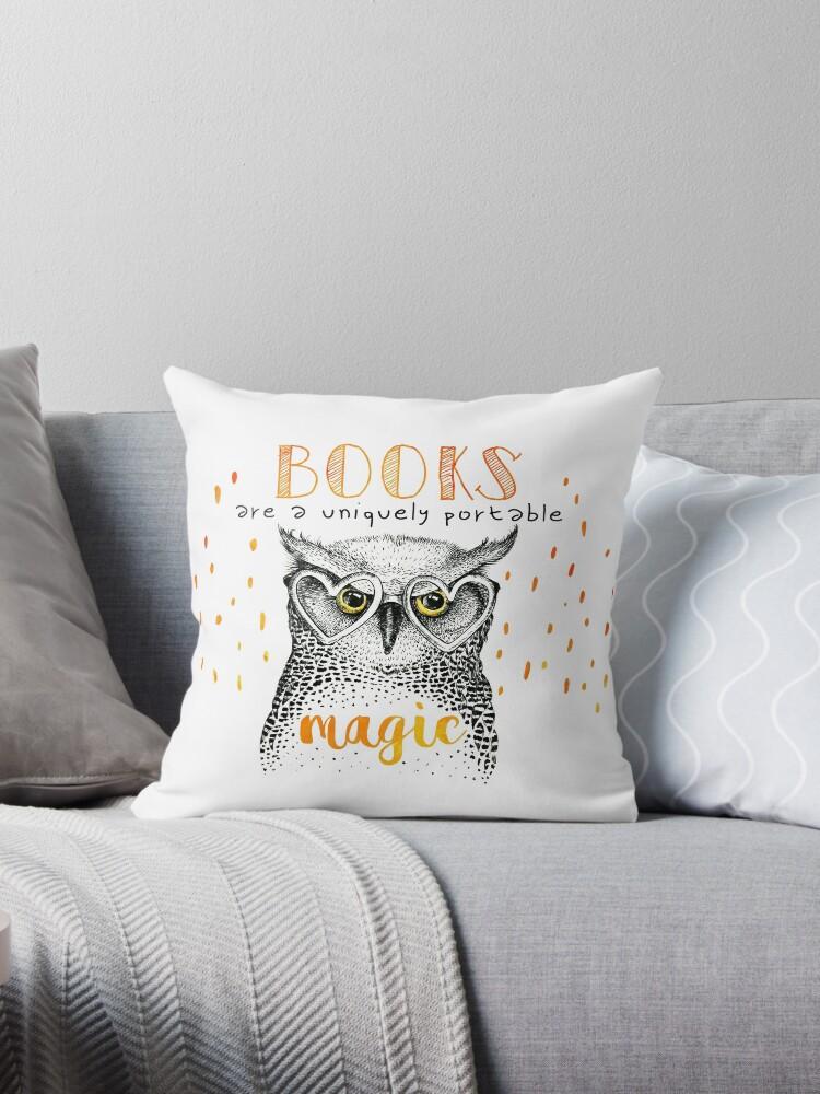 Book OWL by Nyx van Sulli