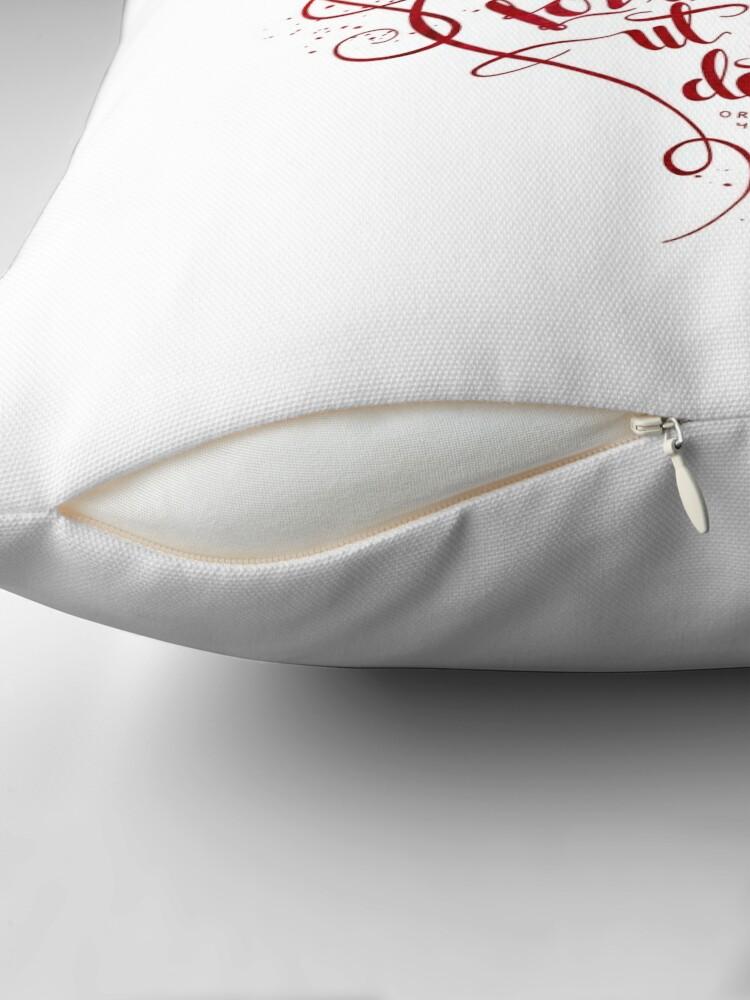 Alternate view of Bevar ditt hjerte Throw Pillow