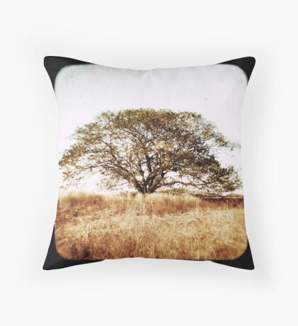 diramu Throw Pillow