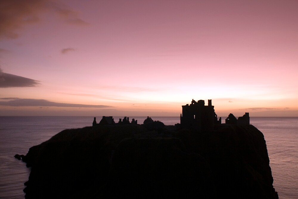 Dunnottar Castle Sunrise by Nyami