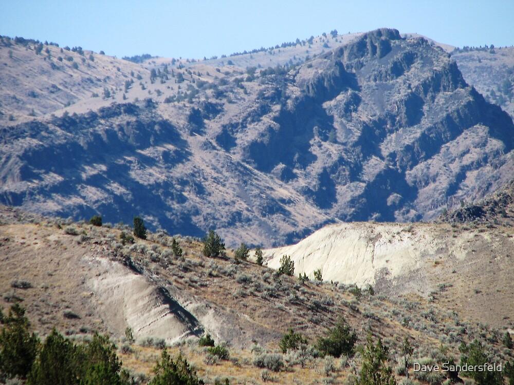 Lavaflows, faults & Volcanic ash by Dave Sandersfeld