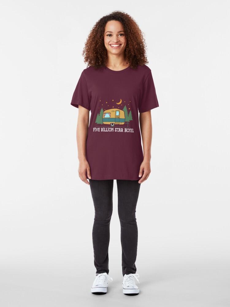 Alternative Ansicht von Camping Trailer: Five Billion Star Hotel Gift Slim Fit T-Shirt