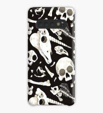 schwarze Schädel und Knochen - Wunderkammer Hülle & Klebefolie für Samsung Galaxy