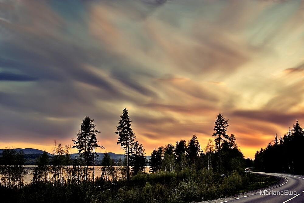 Follow The Sun by MarianaEwa