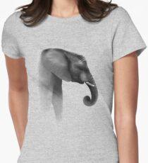 Peaceful giant Women's Fitted T-Shirt