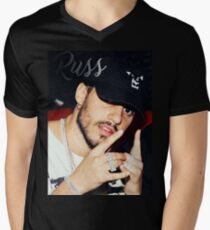 Russ Cap Men's V-Neck T-Shirt