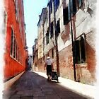 Lady with a destination - Venice, Italy by heidiannemorris