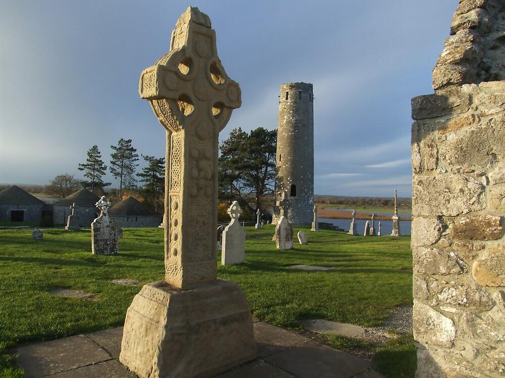 Clonmacnoise celtic cross by John Quinn