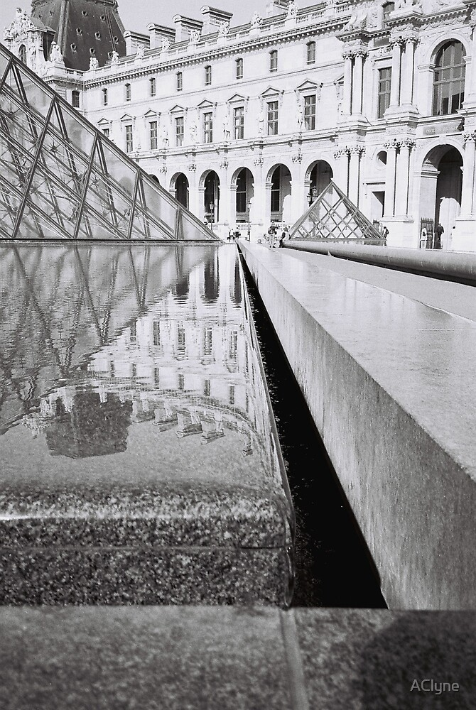 Paris Louvre by AClyne