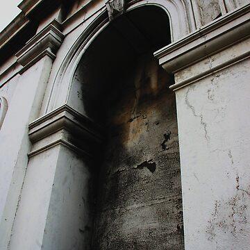 Arch by trekka