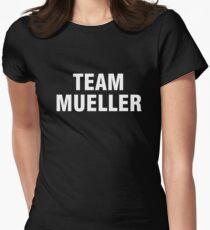 Team Mueller Tailliertes T-Shirt für Frauen