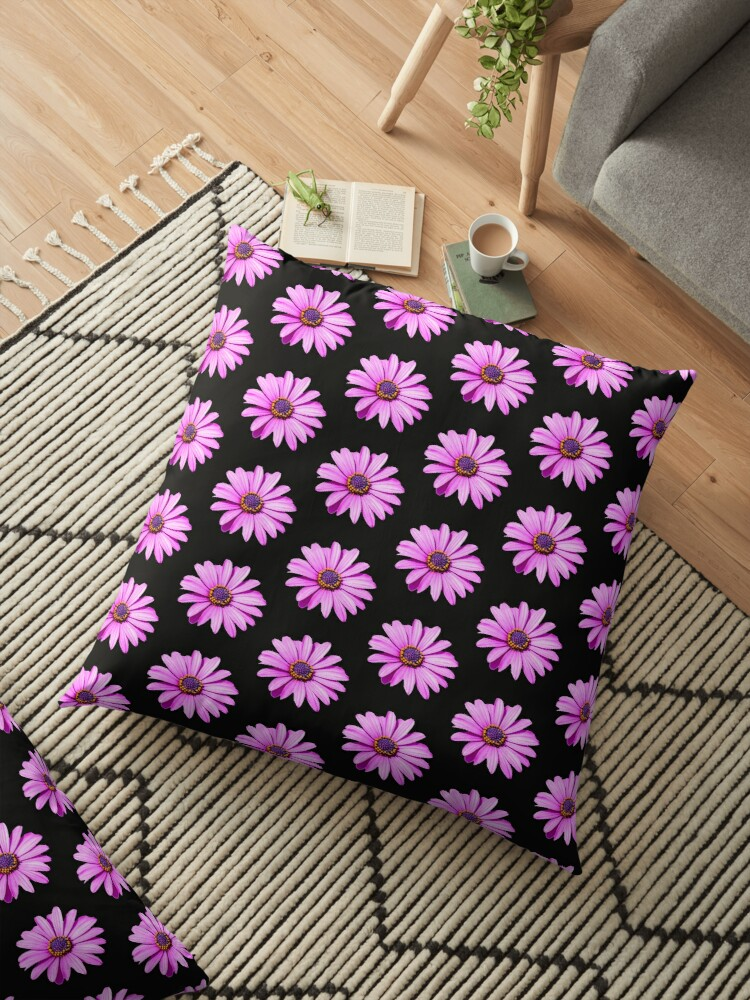 Purple Daisy by Dave  Knowles