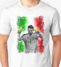 gigi buffon - the legendary goalkeeper T-Shirt